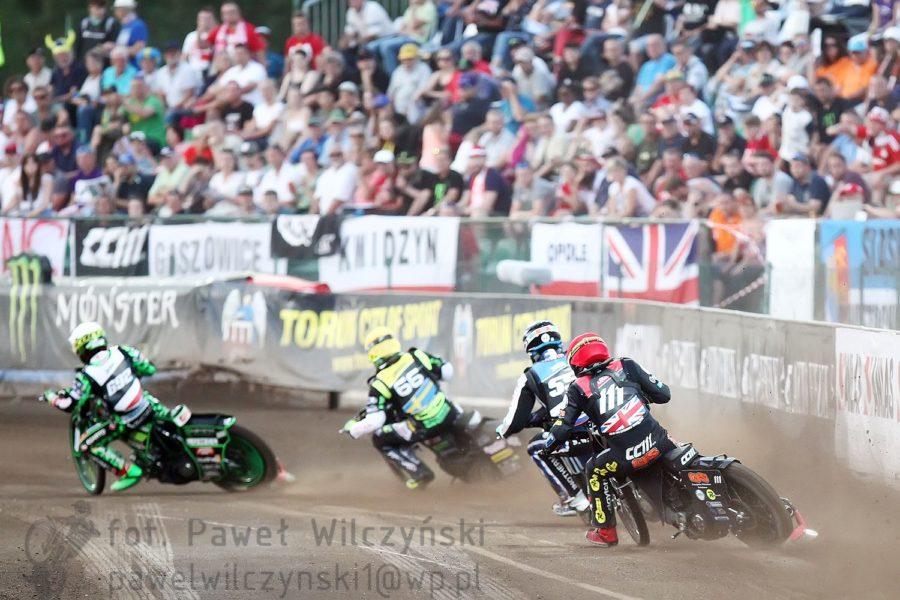 Speedway Grand Prix: praskie turnieje ostatniej szansy. Polacy powalczą o fotel lidera! [Zapowiedź]